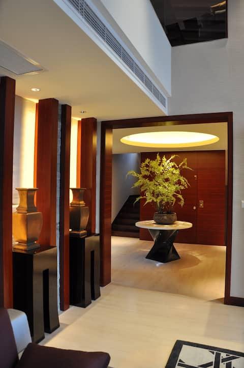 Fancy room. i