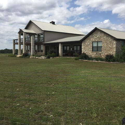 GREAT HOME IN THE HILL COUNTRY 360 VIEW