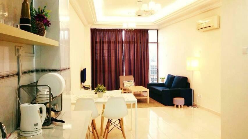 WOW ! Best Deal ! G2 seaview condo 海景度假公寓