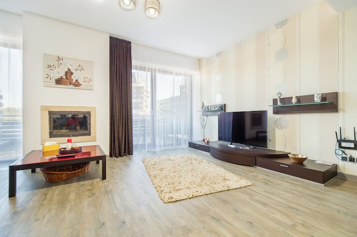 Sunny two bedroom Apartment in Silver Mountain