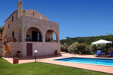 Stein Villa Pool und Meerblick 10% auf früh buchen - Xirokampi