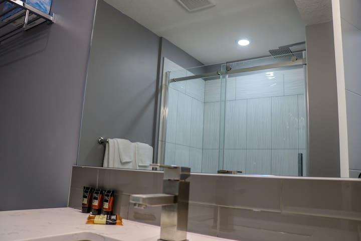 Downtown Luxury Studio Apartment