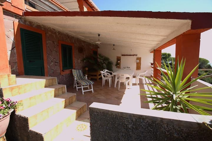 """Appartamento """" La Palma """" immerso nel verde - Carloforte - Appartement"""