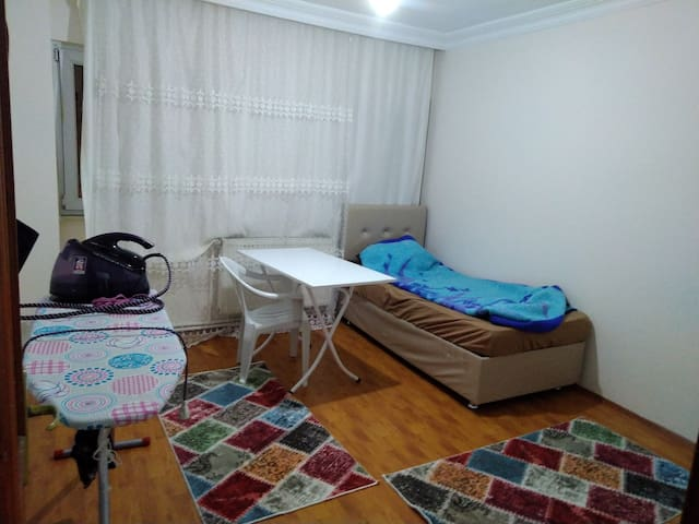 Cosy home with Agreeable Price