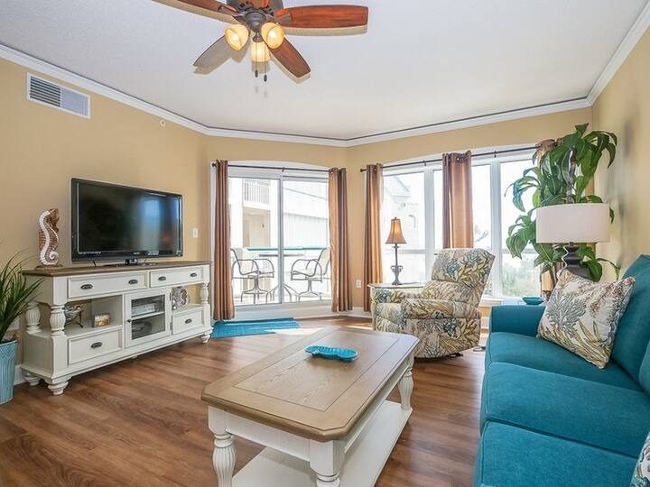 3403 Windsor Court South- Updated 1Br with Ocean Views