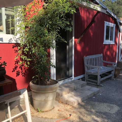 Studio - Trabuco Canyon, Orange County