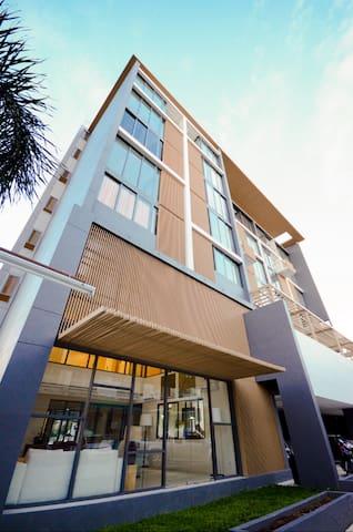 The Square Condominium, Phuket