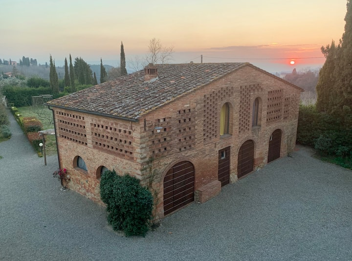 The Old Barn - Heart of Tuscany
