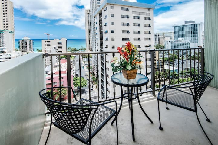 *Professionally Sanitized*Ocean+City View from this Comfortable Waikiki Condo - Waikiki Park Heights Ocean 1 BDR on the 16th Floor