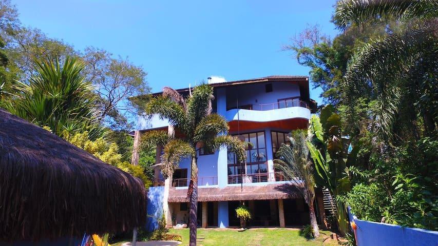 Magnifica Casa em Cond. Natureza e Lazer em Embu - Embu das Artes - 一軒家