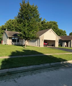 4 bedroom Tri-level in a small midwest town