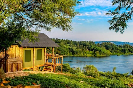 Luxury Camping at the Source of the Nile - Chatka w górach