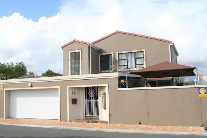 55 on Uitzicht, Durbanville Hills.
