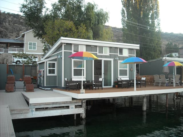 Lk Chelan Over-the-Water- Cabana  - Chelan