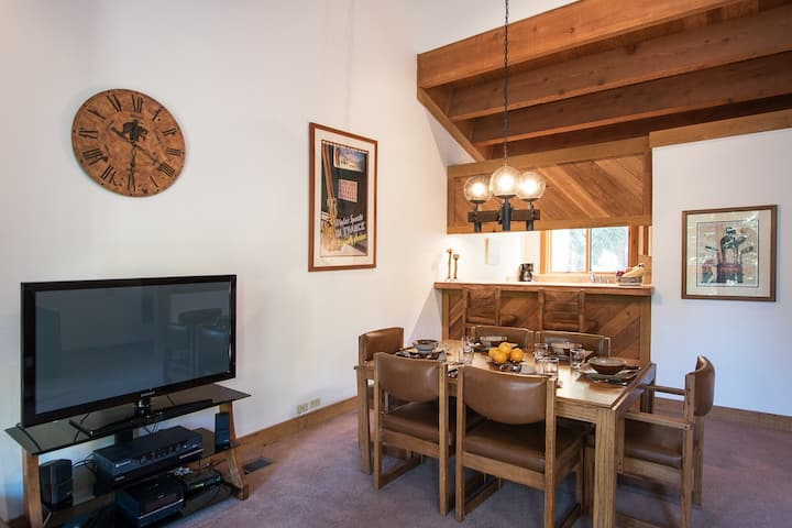 Delightful Northstar Condo with WiFi and Shared Hot Tub