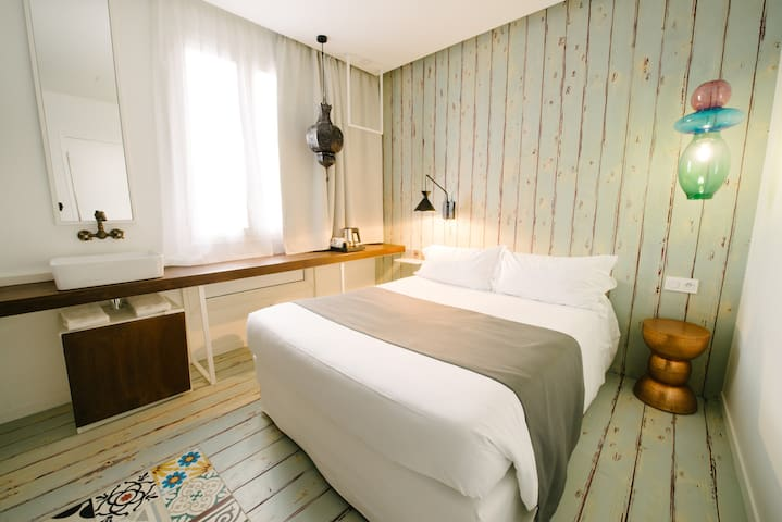 Chambre design inspiration Istanbul accès Jaccuzi