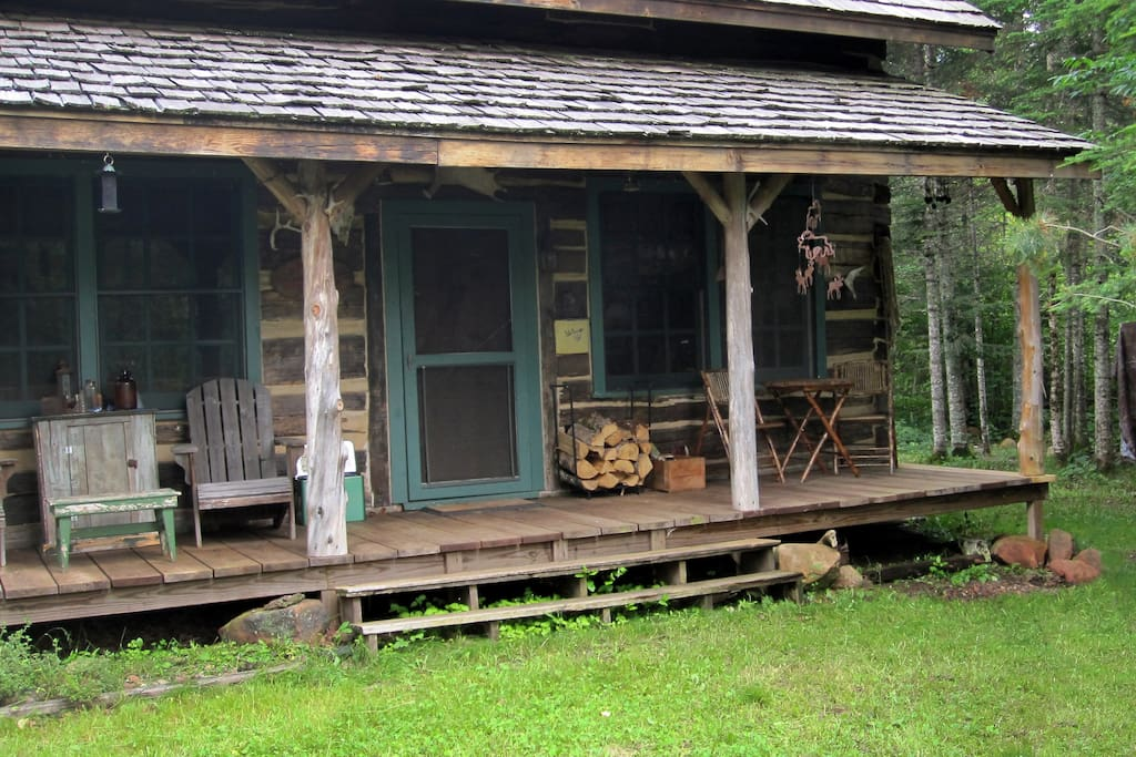 Authentic 1868 hand hewn log cabin cottages for rent in for Hewn log cabin kits