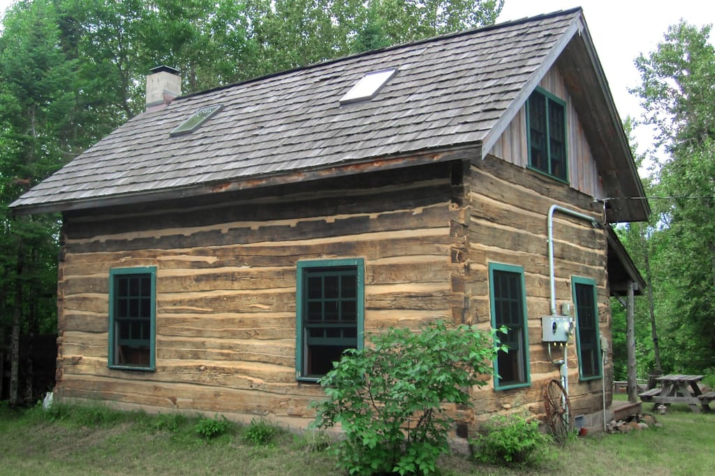 Authentic 1868 hand hewn log cabin chalet in affitto a for Hewn log cabin kits