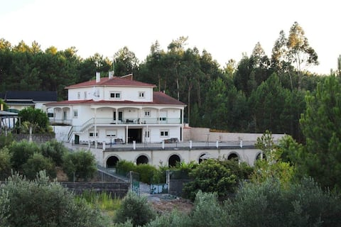 Spacious villa near Fatima, pool, Wifi, Breakfast.