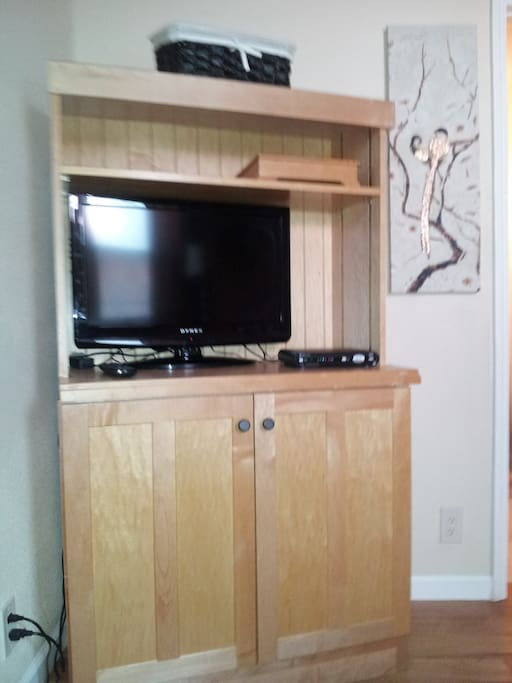 Cable TV and WIFI internet. Showtime, DVR, and HD viewing. Cabinet fits 2 carry-on luggage sets.