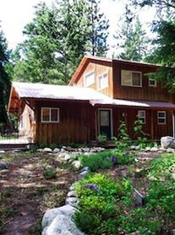 Mazama Mountain Retreat - Okanogan County - Huis