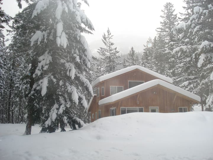 Mazama Mountain Retreat