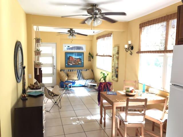Sunny BohoChill: Casa BuenaVibra Centric & Private