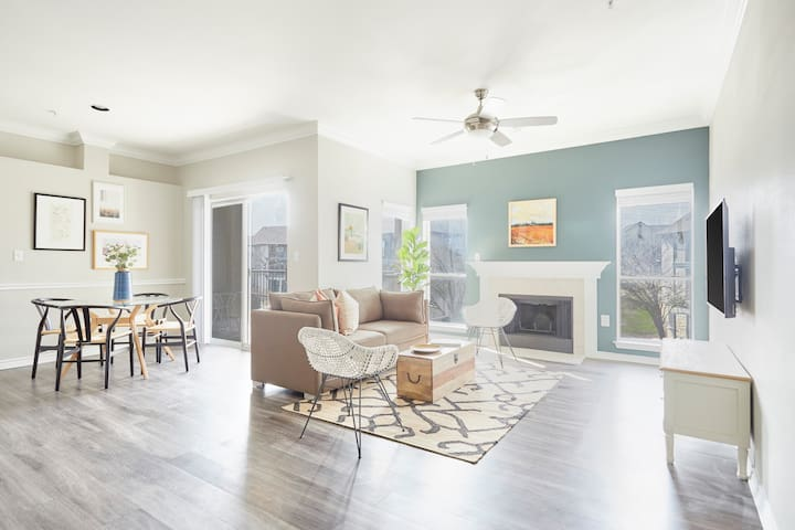 Sonder | Med Center | Pleasant 2BR + Pool