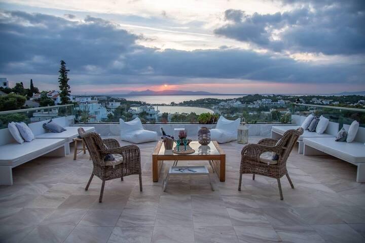 Vouliagmeni luxury Seaview, terrace-exceptional***