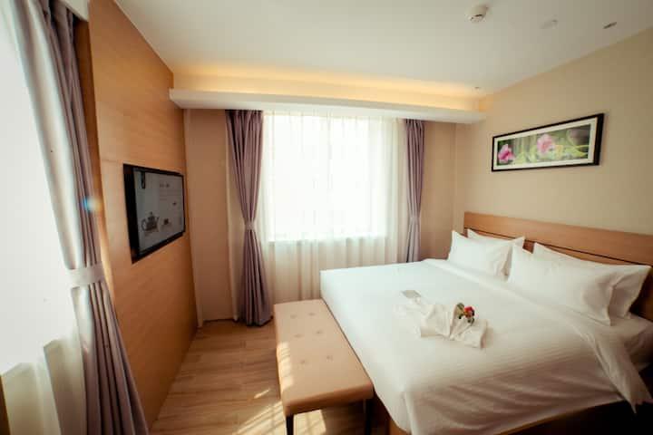 月租-烟台红茶馆酒店芝罘店-标准大床房(低楼层无早)