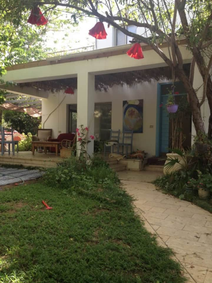 Sea view house - 1 year rent