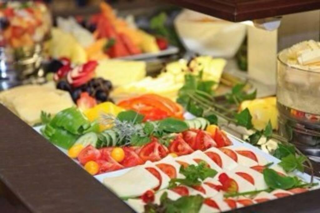 Frühstücksbuffet im Hotel Alexandra****