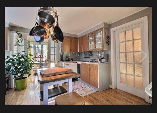 Lumineuse et chaleureuse maison - Lévis