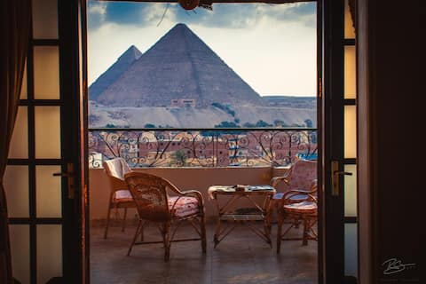 Royal  suite with Pyramids view