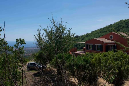Villa with sea view on Mount Etna - Mascali