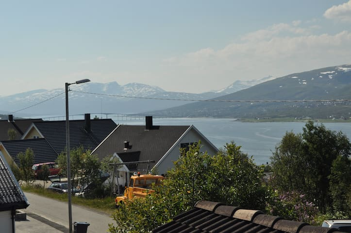 House for rent in Hamna, Tromsø - Tromsø - บ้าน