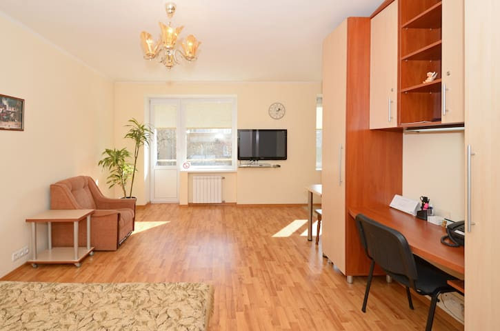 3 min. walk to Metro station - Kijów - Apartament