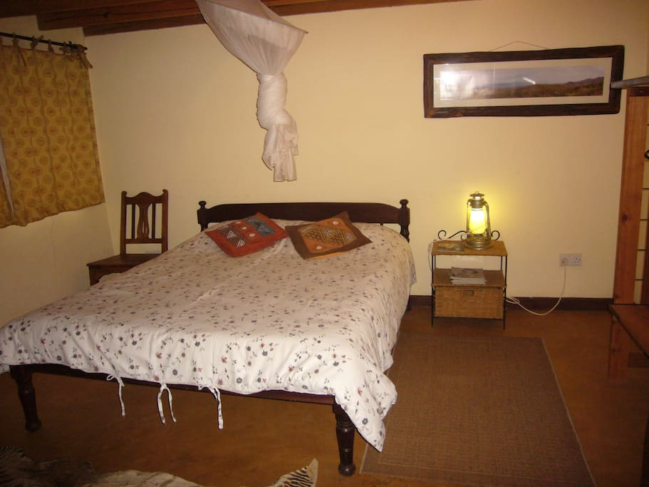 The guesthouse bedroom.