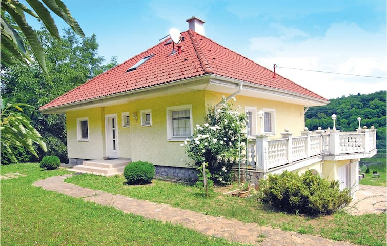 Holiday cottage with 2 bedrooms on 79m² in Bárdudvarnok