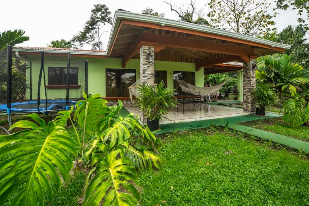 Arenal ginger home houses for rent in la fortuna for Costa rica house rental