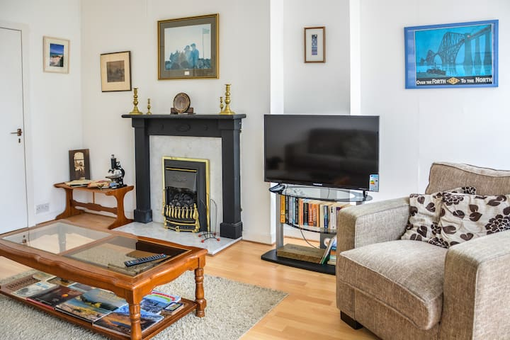Lovely Flat at the Heart of The Royal Mile