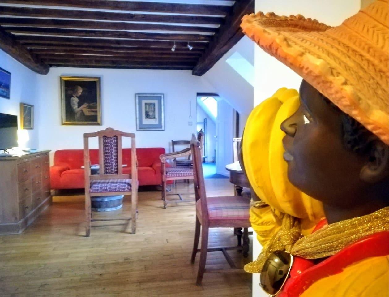 Un appartement cosy, rien que pour vous... (Les photos ont été prises par Bruno, un voyageur AirBnb de Funchal, au Portugal, et par Jean-Robert, un Namurois voyageur AirBnb. Un tout grand merci à ... leurs yeux experts!)