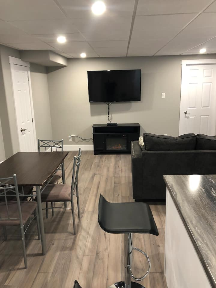 2 bedroom apt right next to groomed trail !