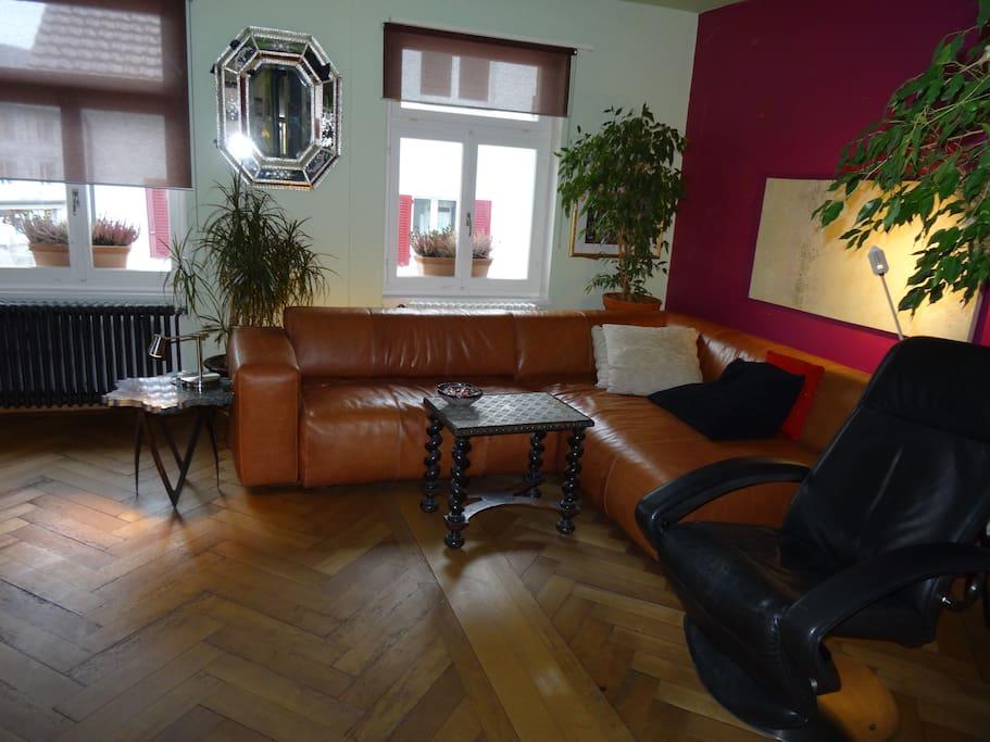 Lounge mit Bettsofa