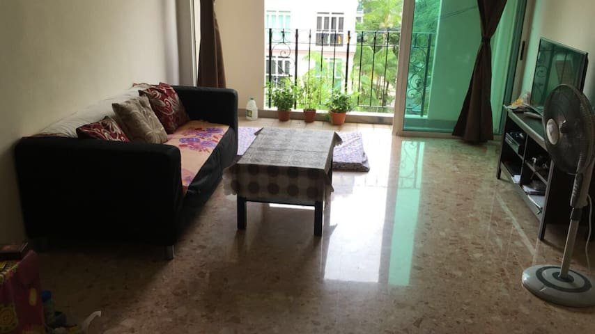 Common Bedroom available by Flora Road, Singapore