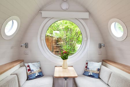 Cosy Self-Contained Garden Annexe - Cabanya