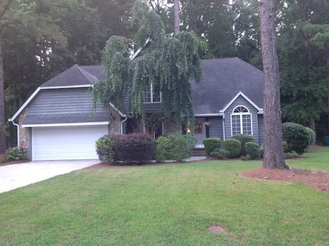 Golf Course Retreat in the Pines - Wilmington - House