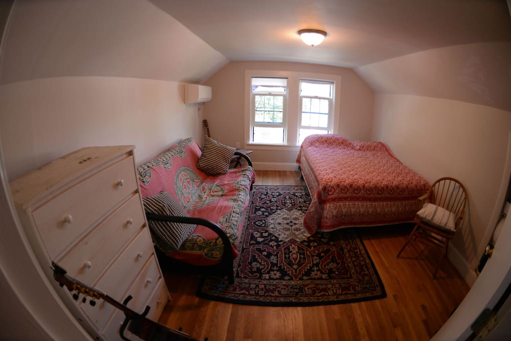 Two Bedroom Third Floor Apartment Apartments For Rent In Cambridge Massachusetts United States
