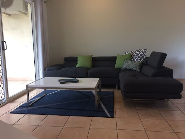 Darwin 1 Bedroom Unit, The Botanic Gardens