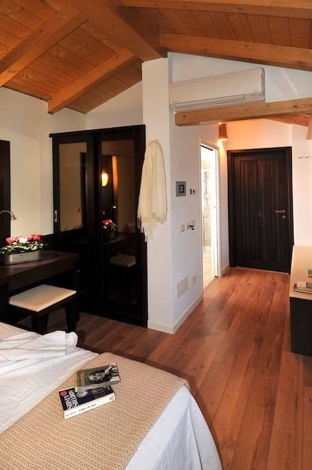 cottage right room
